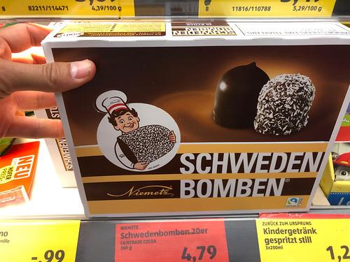 Niemetz Schwedenbomben: Eine Köstlichkeit mit knackiger Glasur, luftiger Füllung und knuspriger Waffel