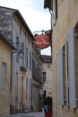Dur dur de trouver un nom pour son enseigne #3 - Photo of Castillon-la-Bataille