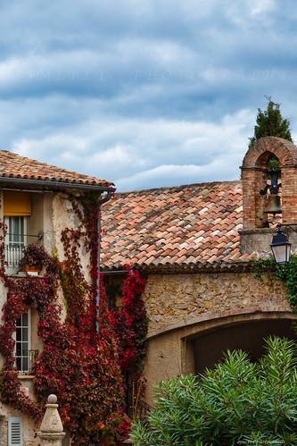 Tourtour village dans le ciel - var - Côte d'Azur -1L8A4539