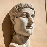 Tête du Colosse de Constantin, Cortile du Palais des Conservateurs, Musées du Capitole, Rome, 2020 - https://www.flickr.com/people/29248605@N07/
