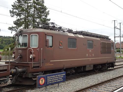 BLS Re 4/4  ( 179 Bern ) in Aarberg