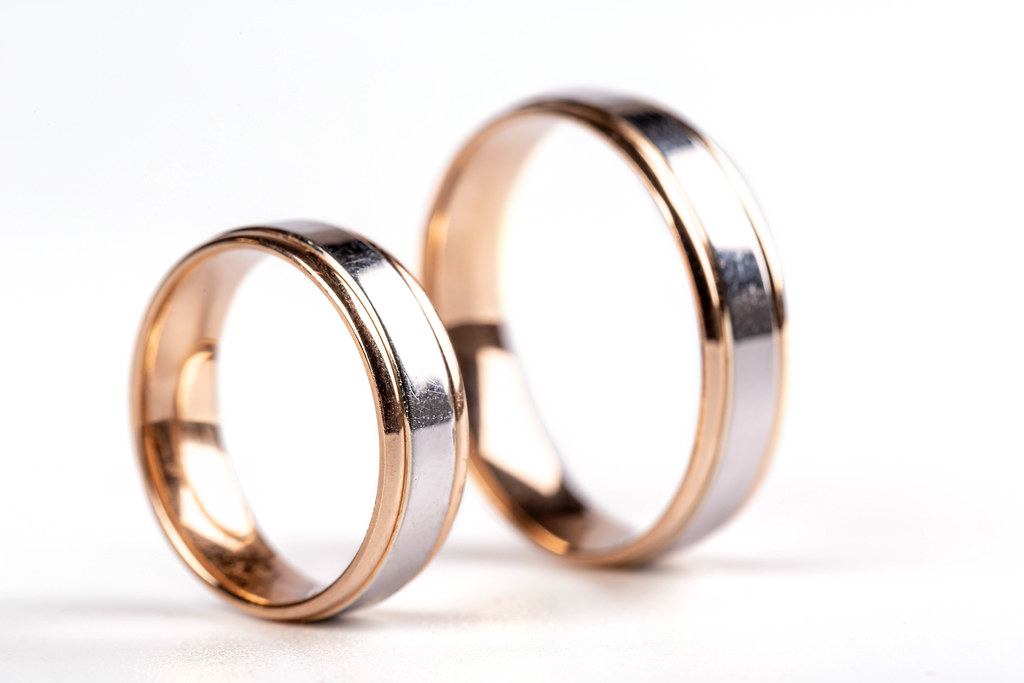Wedding rings made of white and yellow gold