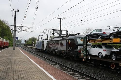 185661-x LM & 193657-4 DISPO pass Kirchbichl in Tirol Bahnhof Austria 150519 (2)