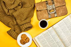 A cold November weekend with a book, sweet cookies, and a cup of warming coffee