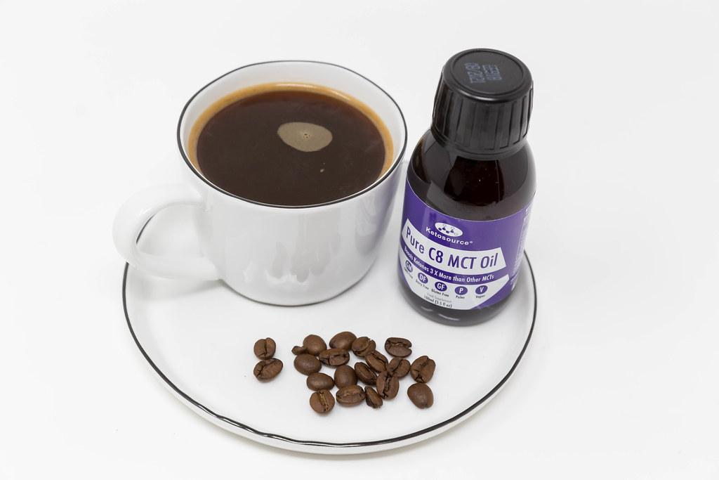 Bulletproof Coffee für mehr Aufmerksamkeit und Energie. Kaffee mit MCT-Öl aus 100% Caprylsäure C8