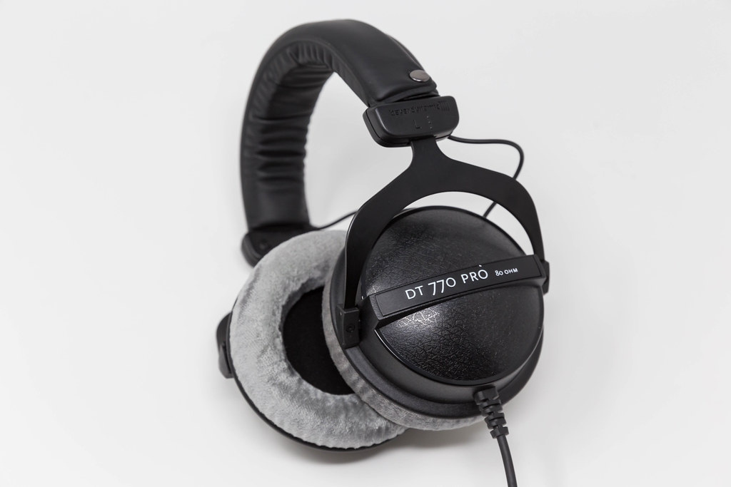 Beyerdynamic DT 770 PRO. Reference headphones for control and monitoring purposes