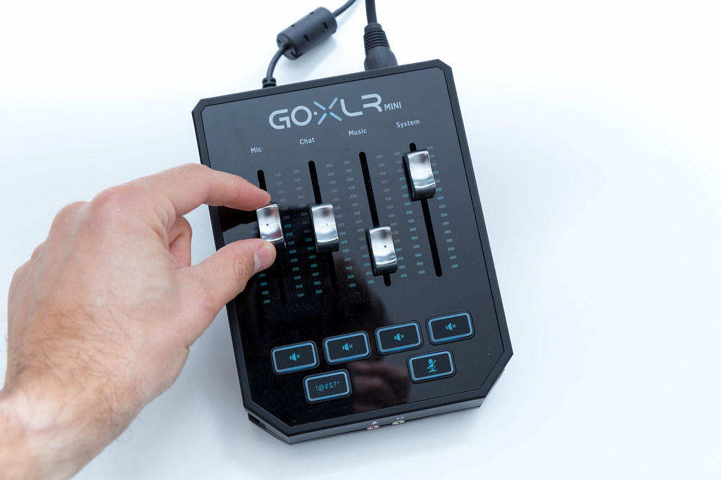 GoXLR Mini: Mixer & USB Audio Interface for Streamers, Gamers & Podcasters