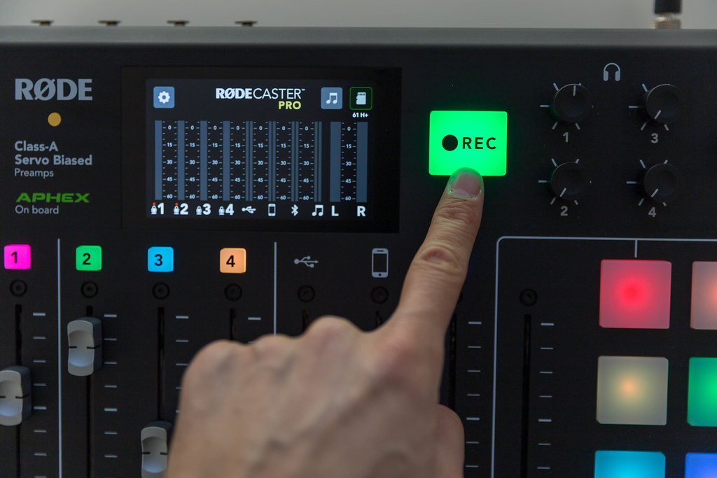Starting recording with the RØDECaster Pro professional podcast-studio