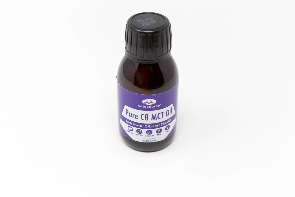Ketosource Pure C8 MCT Oil from concentrated Caprylic Acid and with ketone boosting ingredients