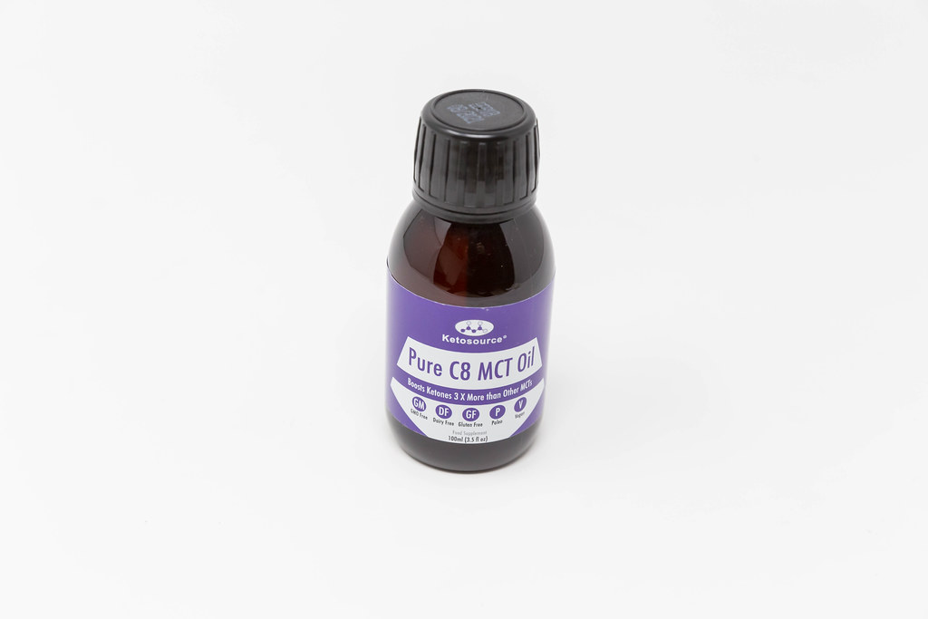 Nahrungsergänzung mit natürlichen Inhaltsstoffen von Ketosource. Pure C8 MCT Öl 100ml Flasche