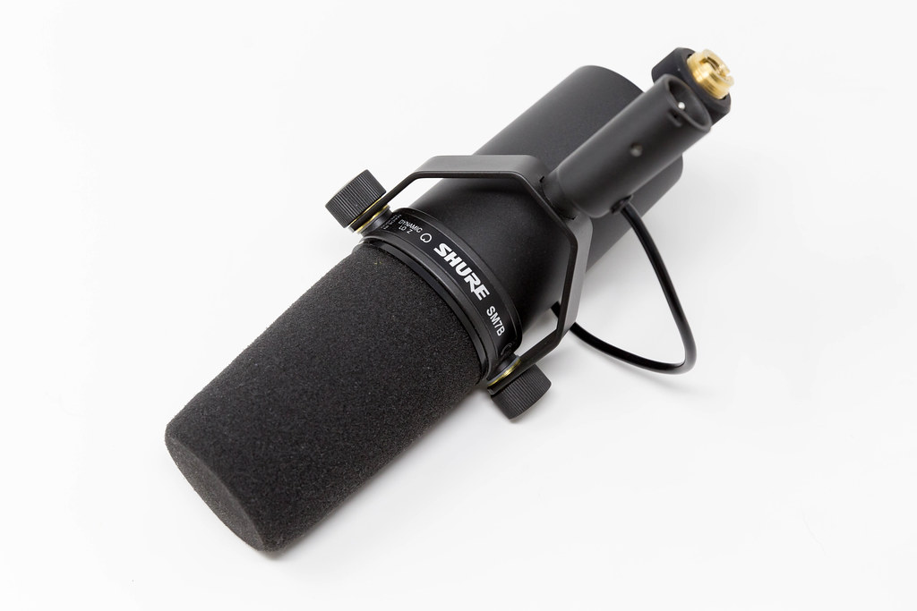 Shure SM7B cardioid dynamic microphone with unique sound experience