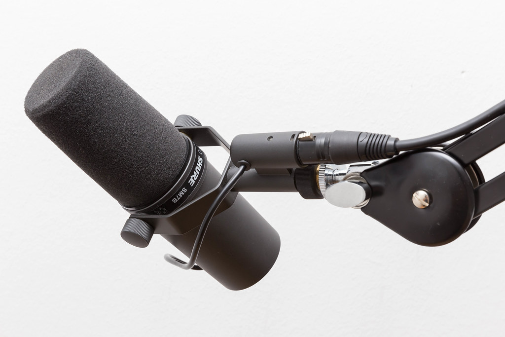 Shure SM7B microphone for the unique connection between speaker and listener