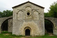 3864 Prieuré du Val des Nymphes à La Garde-Adhémar