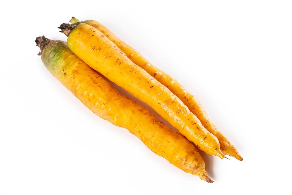 Shimaninjin, type of yellow carrot