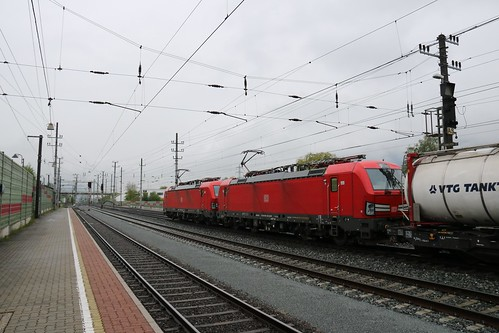 193336-6 DB & 193333-2 DB with 1216008-3 OBB on the rear pass Kundl Bahnhof Austria 150519 (2)