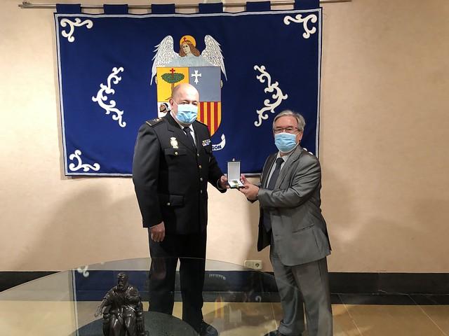 Entrega de la Cruz al Mérito Policial al Justicia Dolado