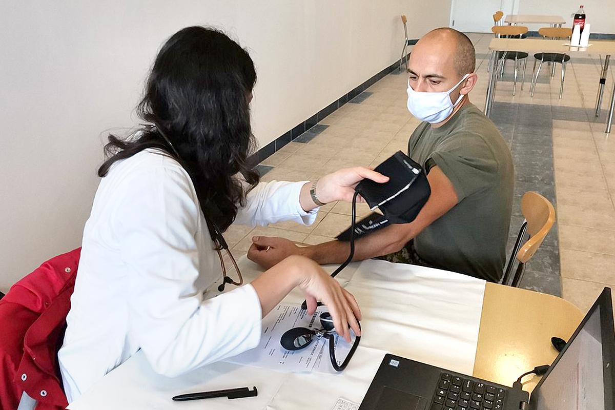 Pripadnici Inženjerijske pukovnije u akciji dobrovoljnog darivanja krvi