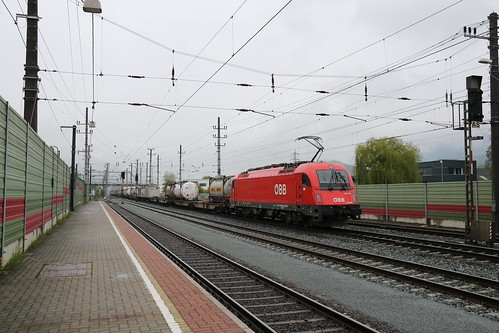 193336-6 DB & 193333-2 DB with 1216008-3 OBB on the rear pass Kundl Bahnhof Austria 150519 (3)