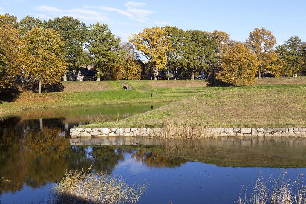 Golden_October 2.22, Fredrikstad, Norway near Axelbrottet