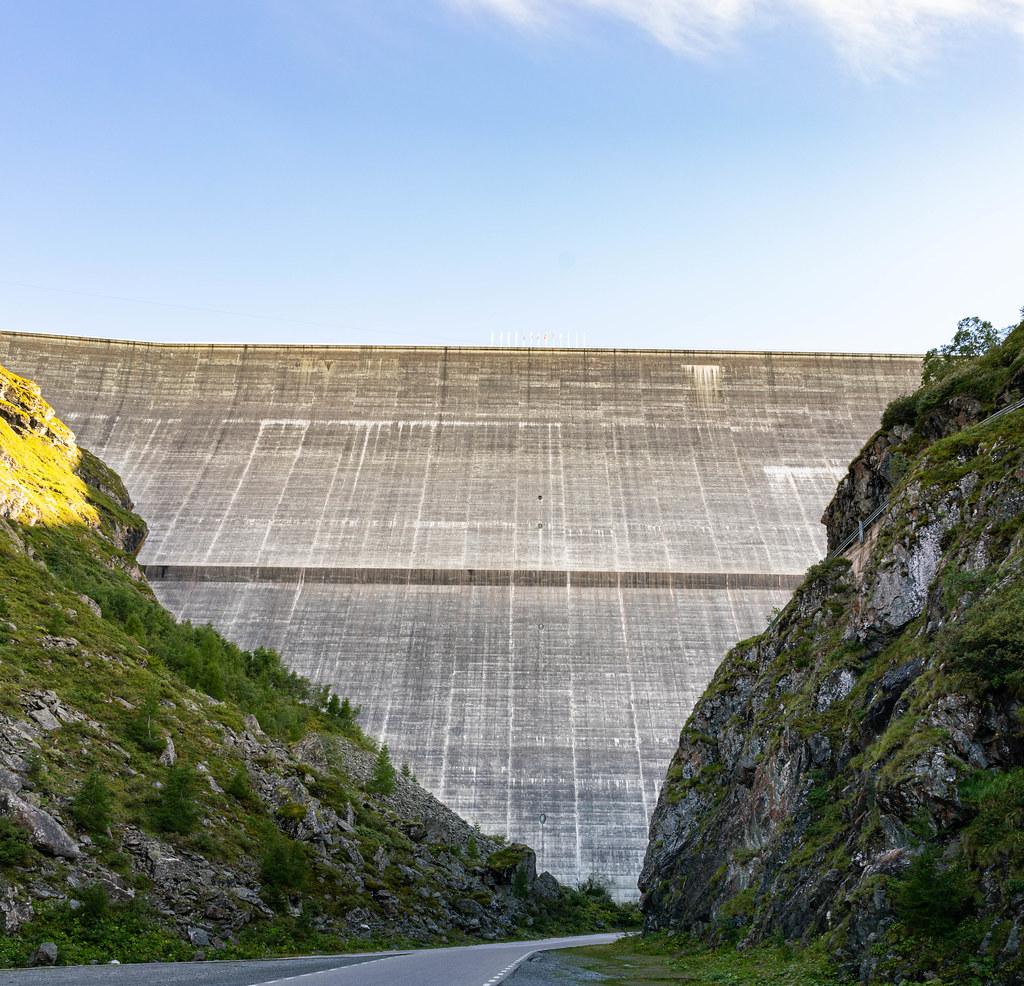 Tallest gravity dam in the world – Grande Dixence Dam