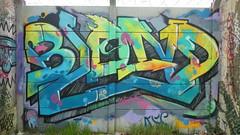 Blond graffiti, Hangar Darwin, Bordeaux