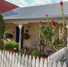 Pretty Half Cottage