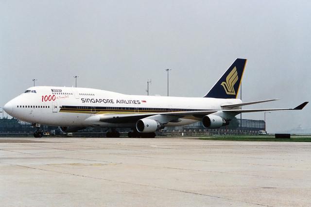 Singapore Airlines   Boeing 747-400   9V-SMU   1000th Boeing 747 logos   Hong Kong Kai Tak