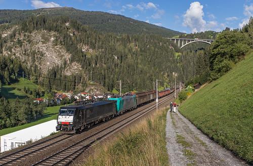 Lokomotion 189 935 en 185 576 met Gag 48861.  St. Jodok am Brenner