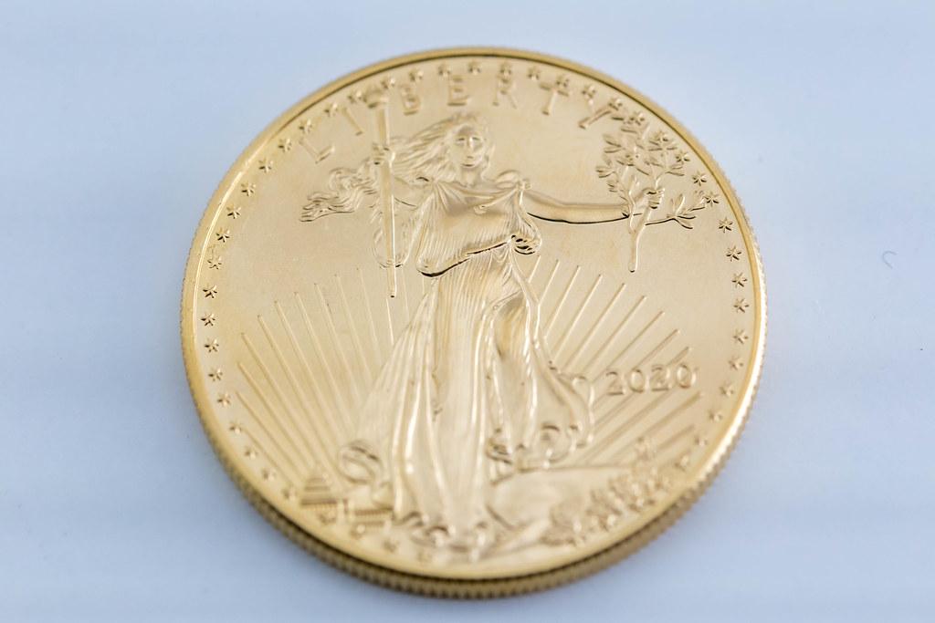 Goldene Münze für Münzsammlung: Vorderseite der American Eagle 2020 Münze zeigt Lady Liberty