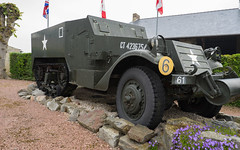 M16A1 Canadian Half-Track - Photo of Ommoy