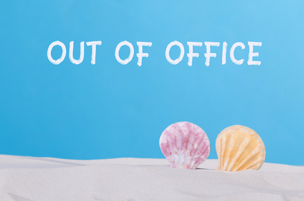 Seashells with Out of office text