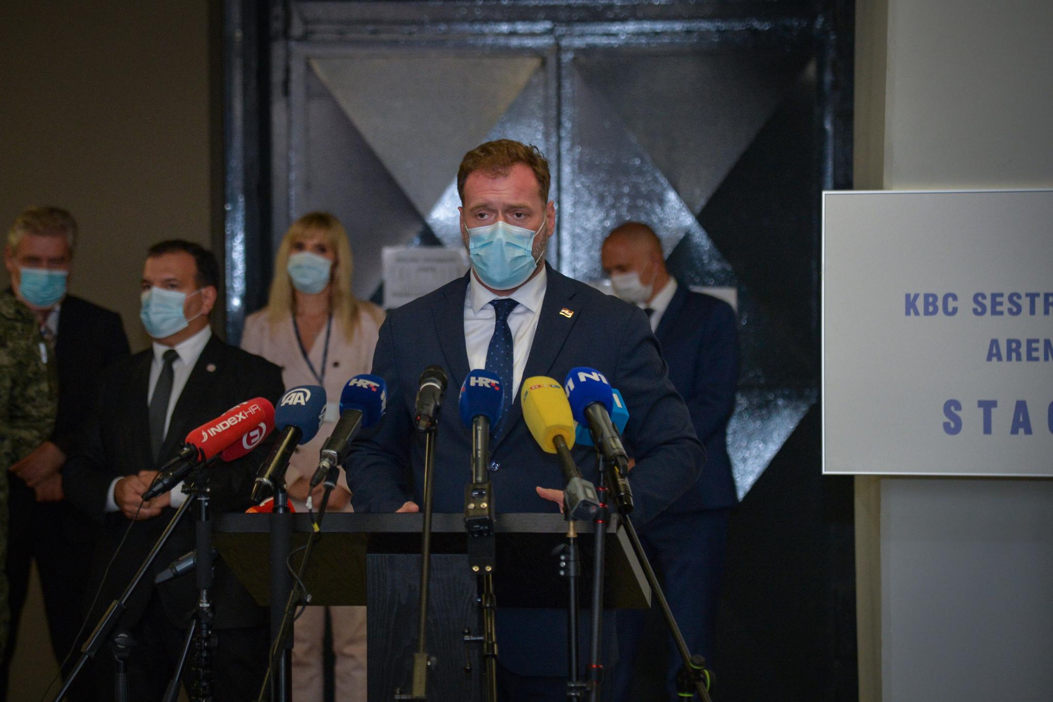 Ministar Banožić na predstavljanju stacionara u Areni Zagreb