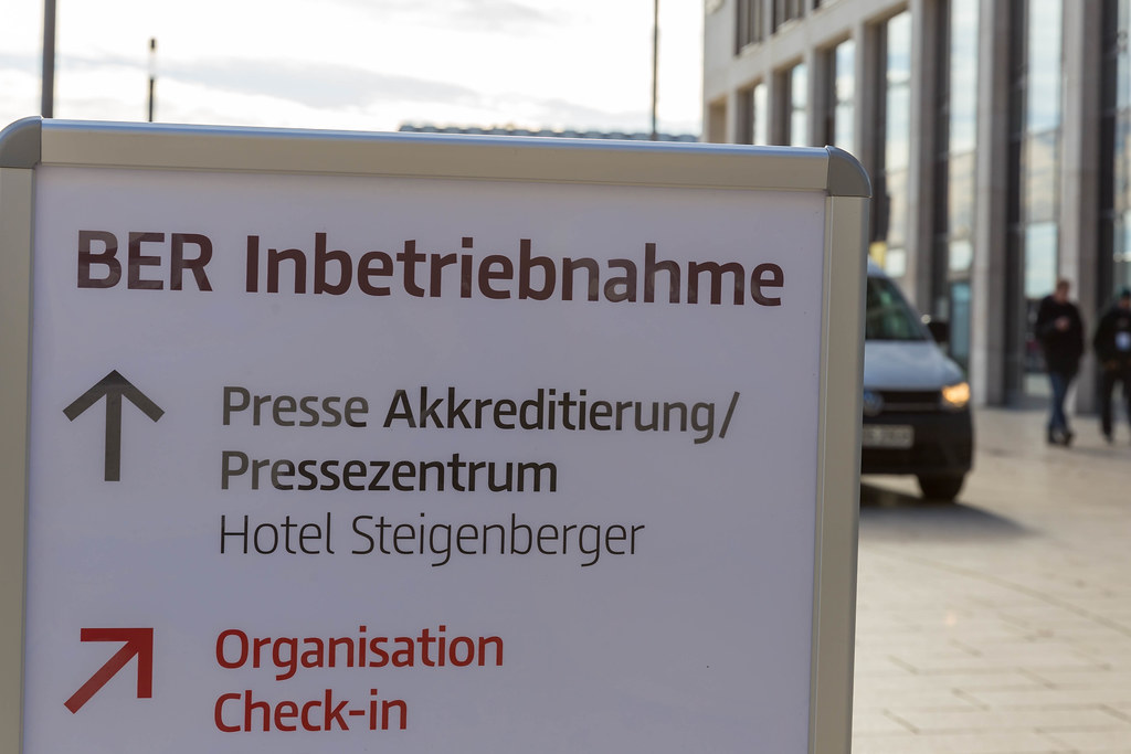 Inauguration of the new Berlin Brandenburg airport BER: sign guiding members of the press