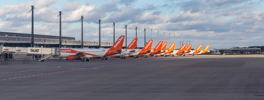 Easyjet fleet at the new Berlin Brandenburg Airport: ten aircraft parked in the apron area