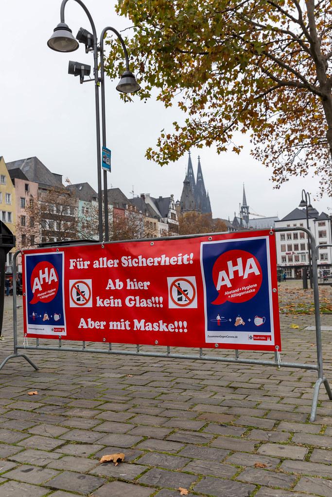 Corona-Pandemie: Keine Karnevalsveranstaltungen am 11.11.2020 in Köln. Der gesperrte Heumarkt