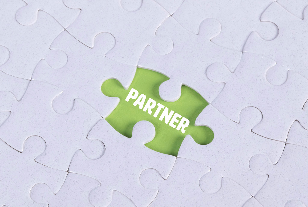 Missing puzzle piece with Partner text