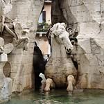 Piazza Navona:  Fontana dei Quattro Fiumi: Cavallo - https://www.flickr.com/people/82911286@N03/