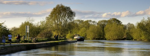 Morning in May, River Thames, Iffley, Oxford, England