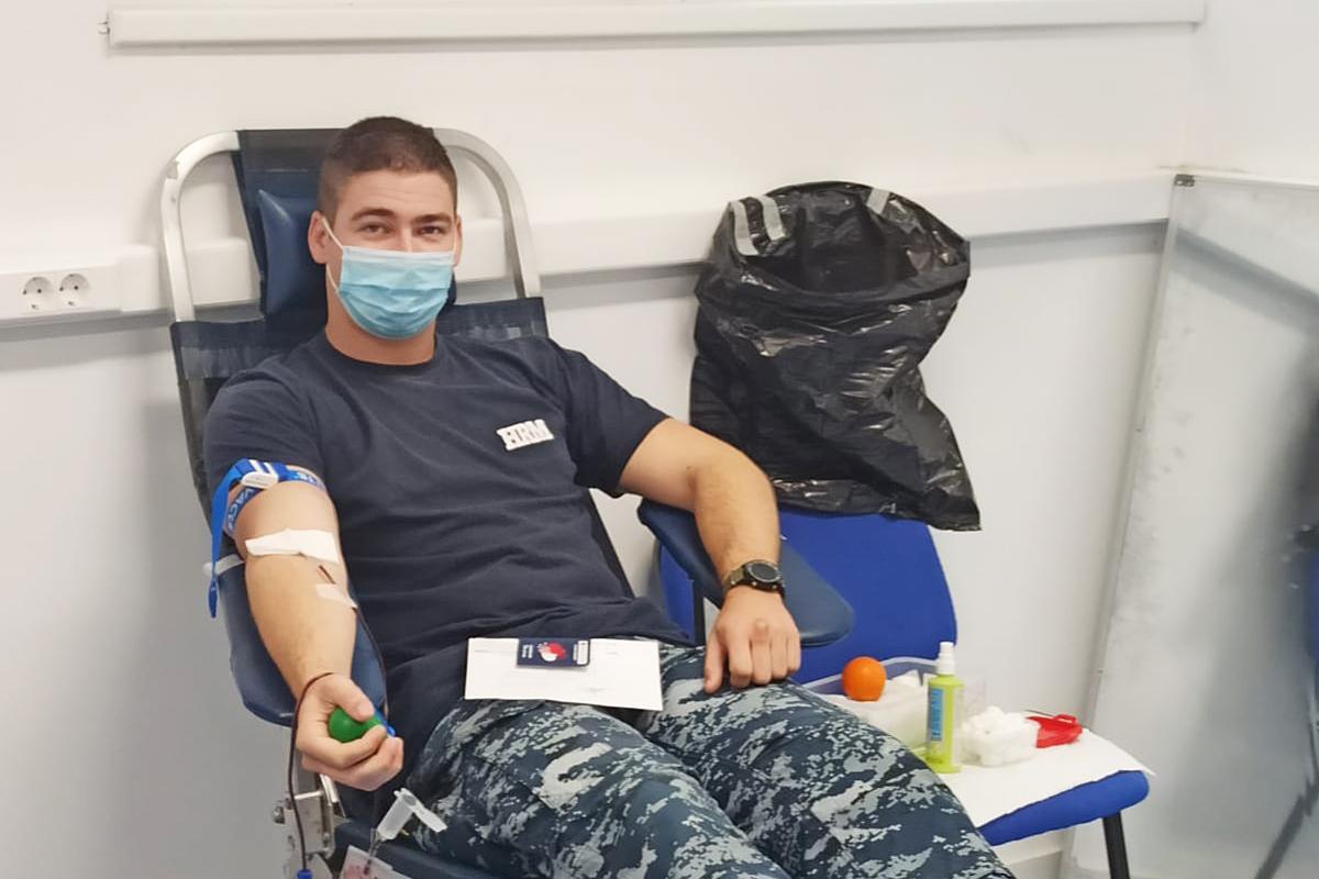 Pripadnici HRM-a i ZSS-a u akciji darivanja krvi