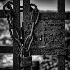Locked - Photo of Larnagol