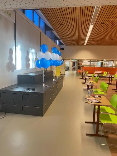 Tafeldecoratie 6ballonnen Comenius College Krimpen aan den IJssel