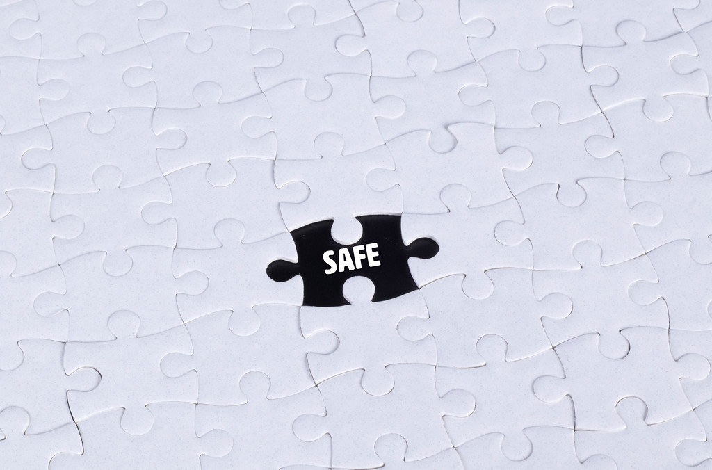 Missing puzzle piece with Safe text
