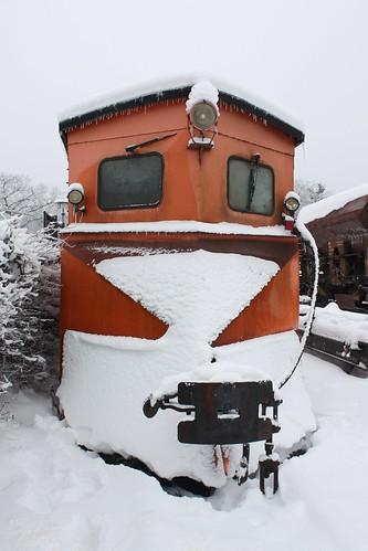 HSB: Schmalspur-Schneeflug 99-09-75 SPS-072 in Wernigerode Westerntor