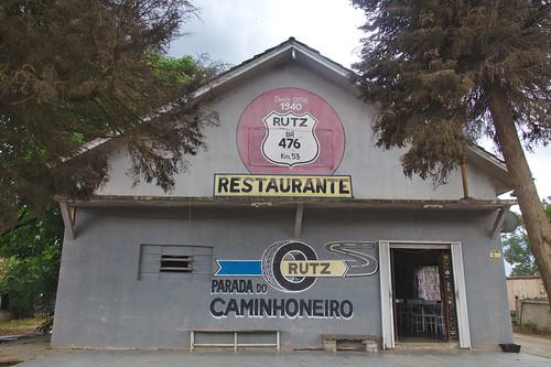 Restaurante ao lado da BR 476