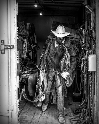 2020-11-0149-Cowboy in Red Rock Canyon-6-Black and White