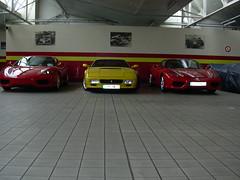 Pozzi_FerrariTestarossaEncadréePar2Modena