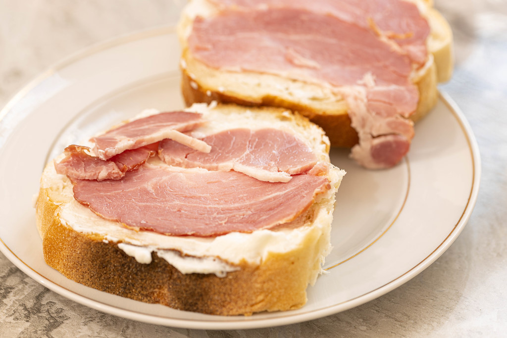 Bread-Sandwich-with-smoked-Ham.jpg