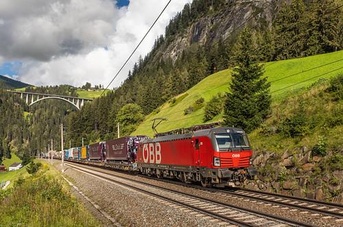 ÖBB 1293 029 en 1293 064 met RoLa. St. Jodok am Brenner