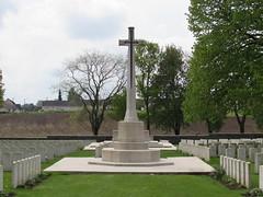 Achiet-le-Grand: Achiet-le-Grand Communal Cemetery Extension (Pas-de-Calais) - Photo of Hamelincourt