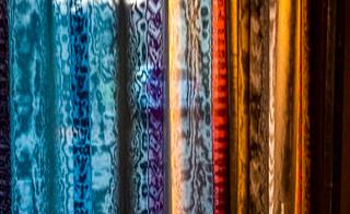 20-11-27 textur nah gardine bunt streifen backlit dsc_0019